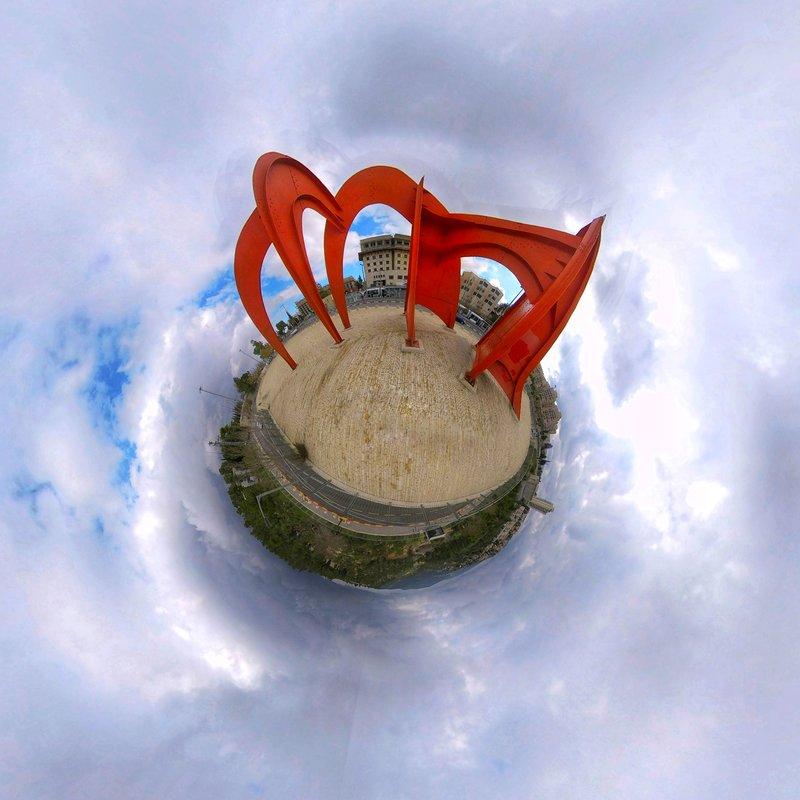 הפסל האדום